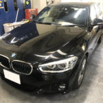 カーフィルム、BMW 1シリーズ 全面施工(IRグリーン35&ピュア88%)遮熱フィルム施工で入庫。