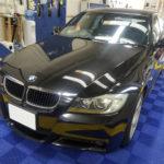 カーフィルム、BMW320i リア全面(5%)紫外線カットフィルム施工で入庫。