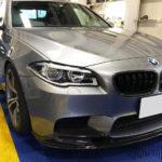 カーフィルム、BMW  M5 全面透明遮熱フィルム施工で入庫。