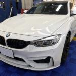 カーフィルム、BMW M4 リア全面(5%)紫外線カットフィルム施工で入庫。