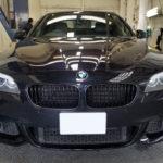 カーフィルム、BMW  535i リア全面(5%)紫外線カットフィルム「重ね貼り」施工で入庫。