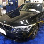 カーフィルム、BMW   523d フロント1面 透明遮熱フィルム施工で入庫。