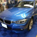 カーフィルム、BMW 320d リア全面(25%)遮熱フィルム施工で入庫。