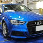 Audi A3、フロントグリルとドアトリムにカーボンフィルムを施工しました!