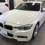 カーフィルム、BMW 3シリーズ フロント1面 透明遮熱フィルム施工で入庫。