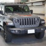 Jeep「ラングラー アンリミテッド ルビコン」エンジンフードへのアクセントラッピング!