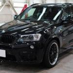 BMW   X3 ルーフ&リアスポイラーを「DYNOblackカーボングロス」でカーボン調に!